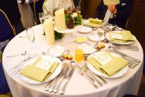 結婚式の円卓テーブル