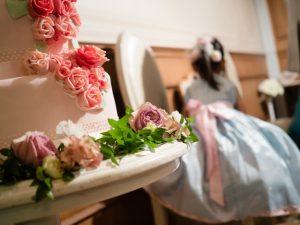 結婚式に参加する子ども