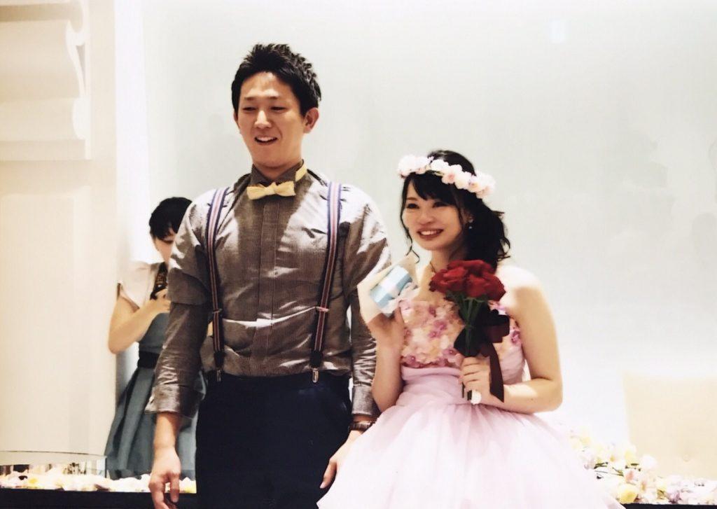 結婚式の新郎新婦の姿