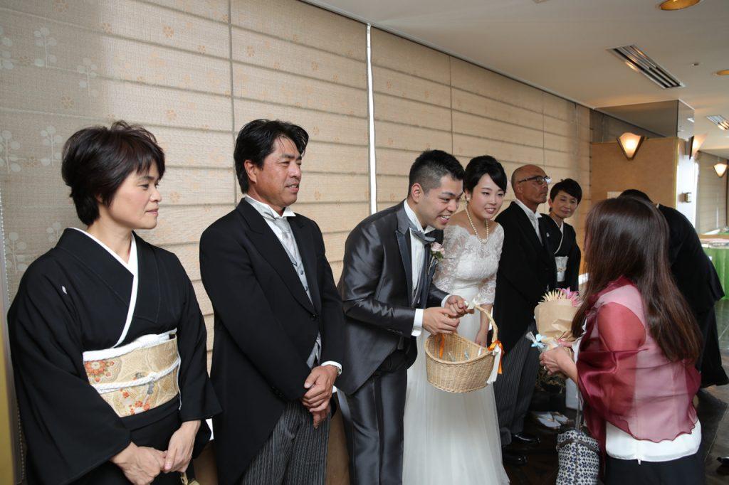 結婚式の送賓