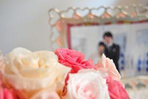 結婚式の写真とブーケ