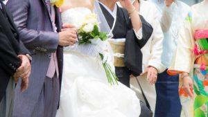 ドレスを着た花嫁