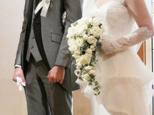 ウェディングドレスを着た花嫁