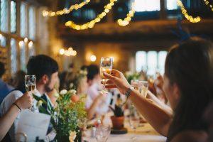 結婚パーティー風景