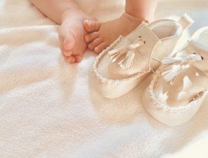 赤ちゃんとベビーシューズ