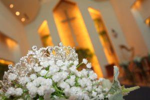 教会で結婚式
