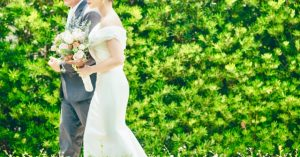 マーメイドドレスを着る花嫁
