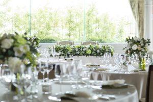 披露宴会場のテーブルコーディネート