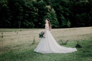 ドレス姿の花嫁